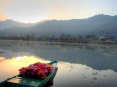 kashmir-flower boat